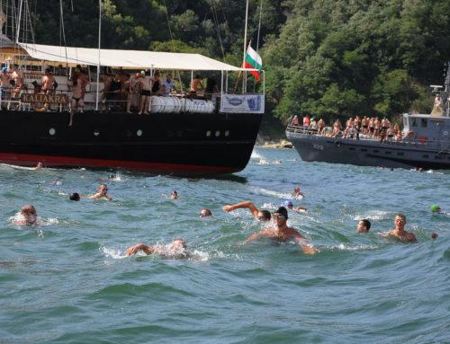 САМЫЕ НЕТЕРПЕЛИВЫЕ ЗАПИСАЛИСЬ ОНЛАЙН, чтобы принять участие в плавательном марафоне Галата — Варна